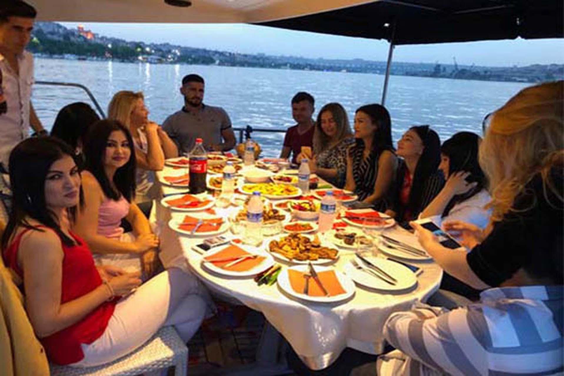 İstanbul / Boğaz Köprüsü / Yemek Servisimiz